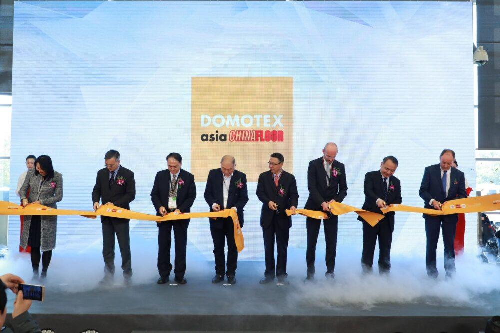 Il taglio del nastro per l'apertura di DOMOTEX asia/CHINAFLOOR 2021